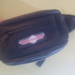 American tourister gear fanny pack black